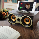 Small wooden premium speaker