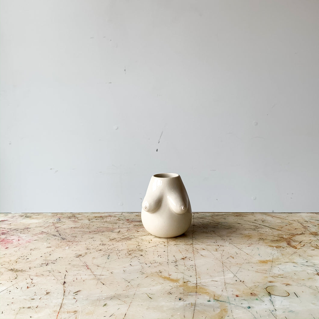 Sruti Vase - SECOND
