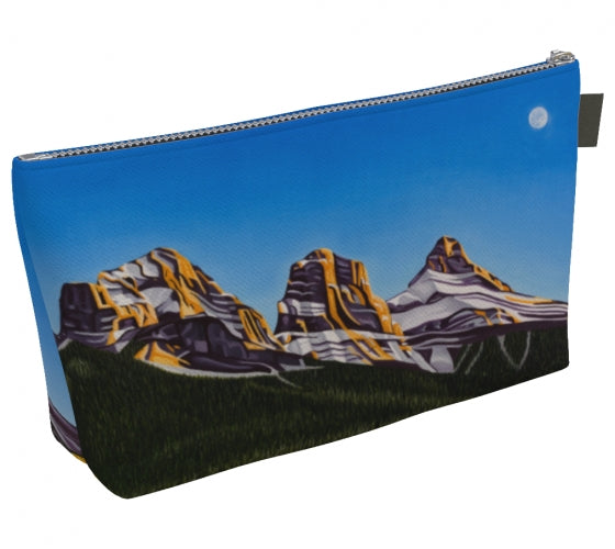 Glowing Sisters makeup bag by Mountain Moves