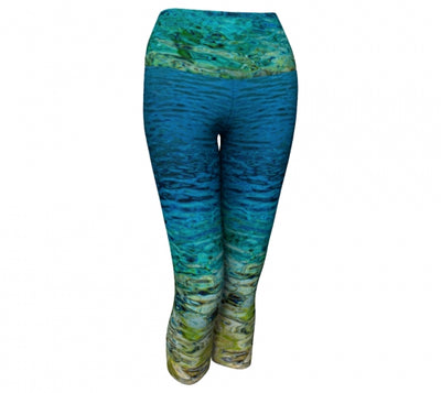 Grassi Lakes capri leggings by Mountain Moves / Artwork by Carrie Servos
