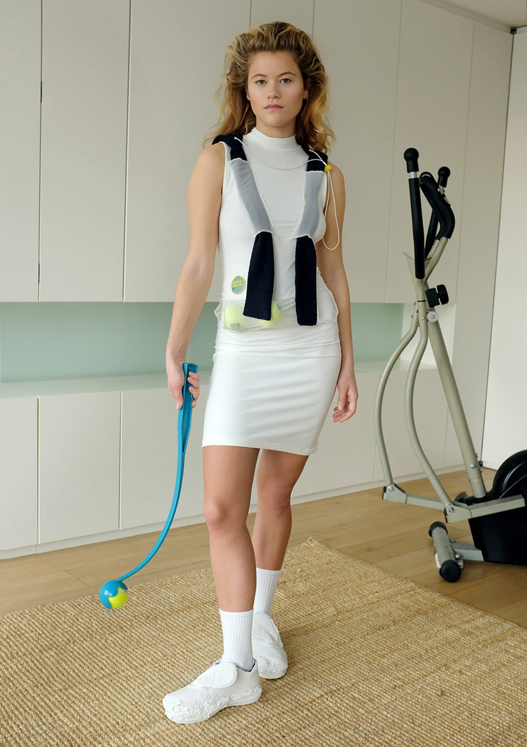 GB150 - TENNIS DRESS AND HOOD - KIT