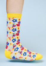 YELLOW FLOWER SOCKS