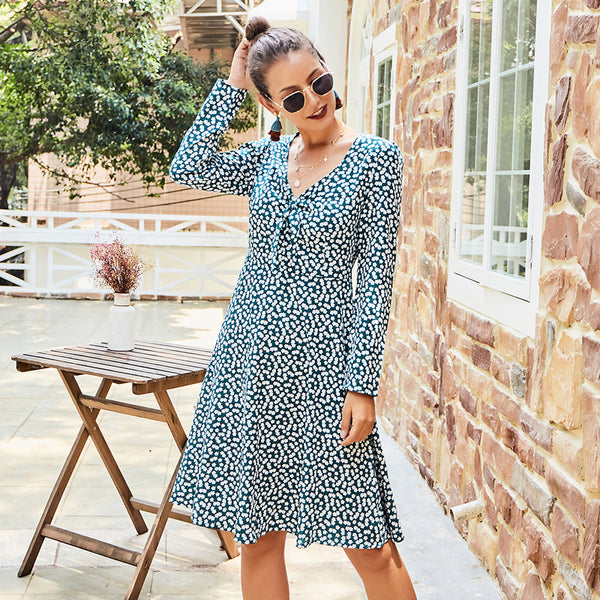 Women's V-neck Long-sleeved Dress Green Floral Long-sleeved  Fashion Casual
