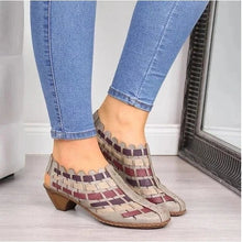 Load image into Gallery viewer, Stylish Textured Sandals