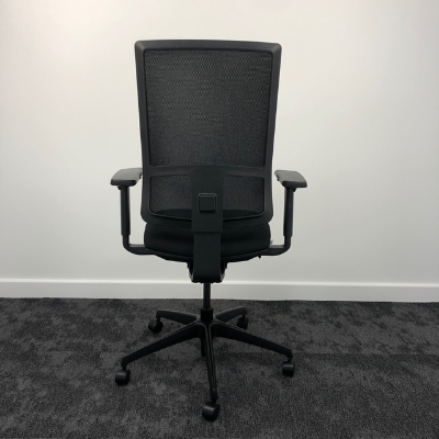 Komac Q Swivel Chair