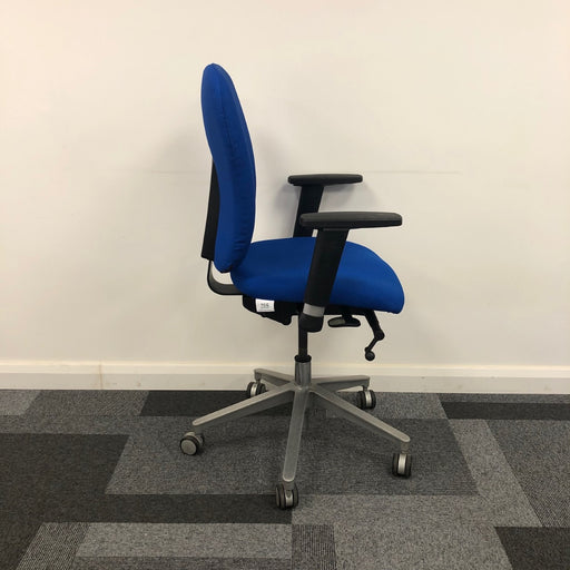 Basic 8hr Operator Chair w/Adjustable Arms