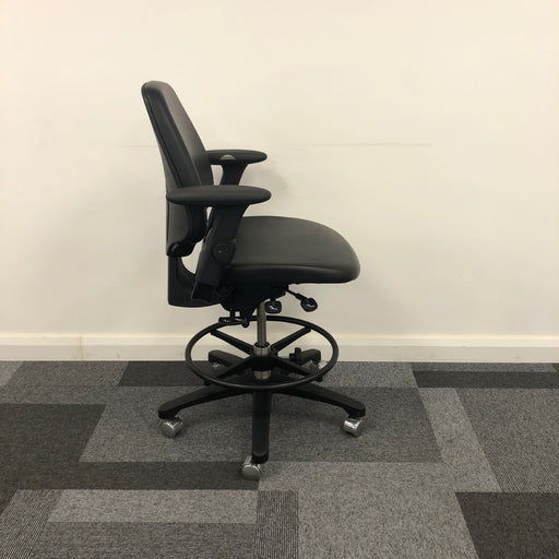 Ergonomic Vinyl Operator Chair