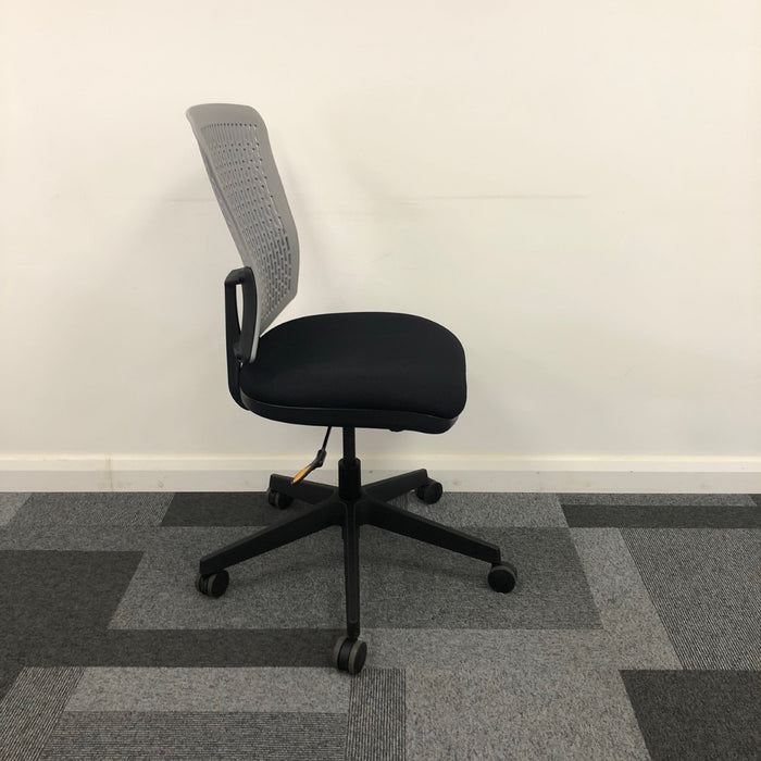Reupholstered 6hr Operator Chair