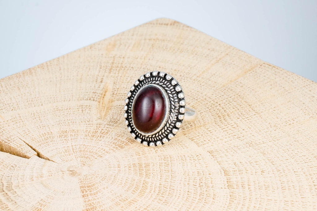 Ring Fingerring Schmuckstein Rubin handgemacht Fair Trade Indien