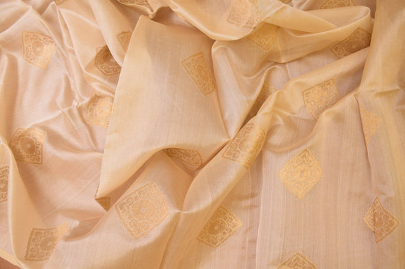 Off White Uppada Silk Unstitched Blouse Fabric-1.10MTR