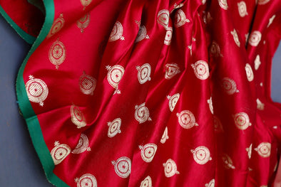 Red Banarasi Gaji Silk Handloom Unstitched Fabric-1.1 MTR
