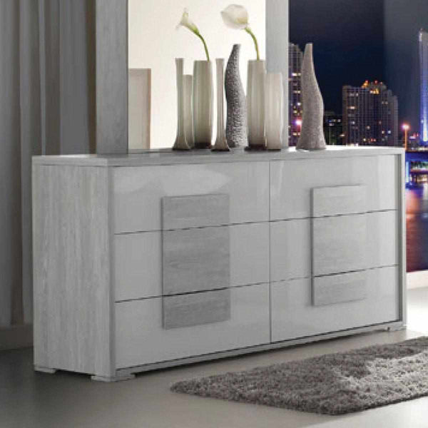 Liselle Dresser - The Designer Rooms