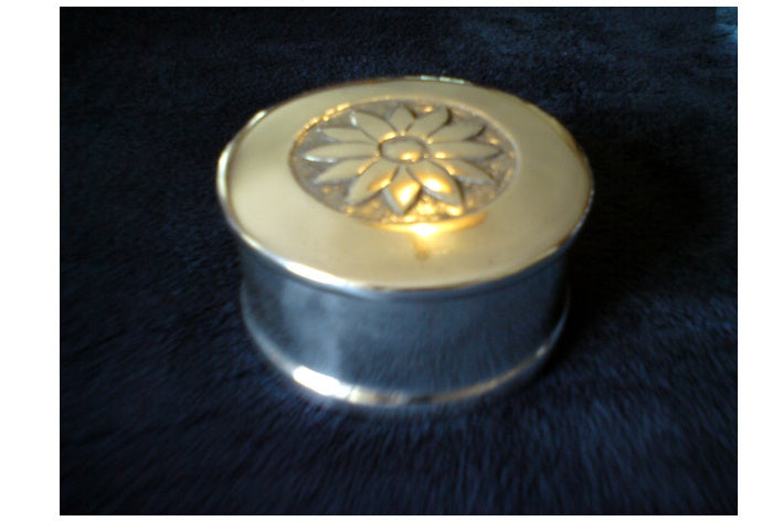 DAISY LIDDED BOX