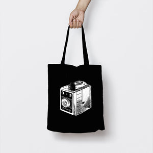 BOX CAMERA BLACK TOTE