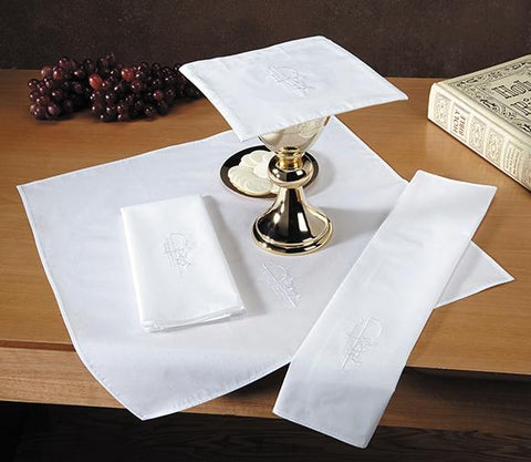 Eucharistic Lavabo Towel - Gerken's Religious Supplies