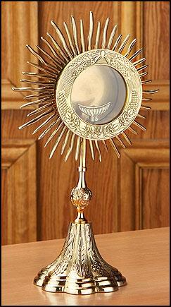 Grapes and Wheat Monstrance with Luna - Gerken's Religious Supplies