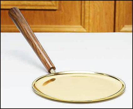 Communion Paten with Handle - Gerken's Religious Supplies