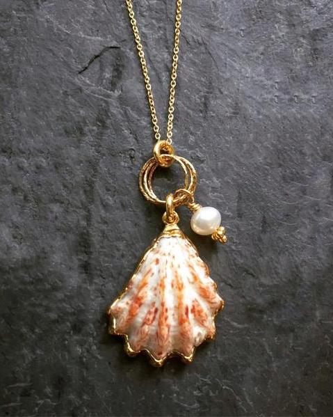 Dainty Kitten Paw Shell Necklace
