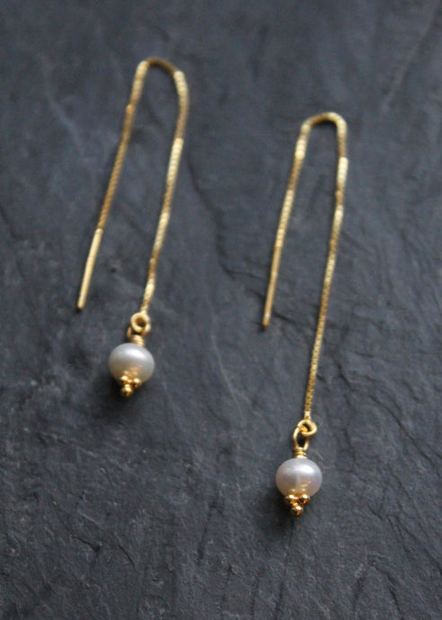 Sea and Stone Jewelry - Vermeil Threader Pearl Earrings