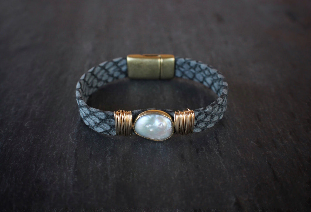 sea and stone jewelry Ocean Blue Coin Pearl Bracelet