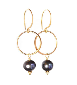 Sea and Stone Jewelry - Black Pearl Circle Drop hook Earrings on Matte Finish Vermeil