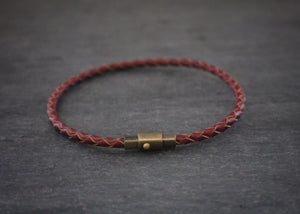 sea and stone leather bracelet with magnetic clasp brown