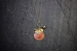 sea and stone jewelry Dainty Scallop & Pearl Necklace on Cable Chain