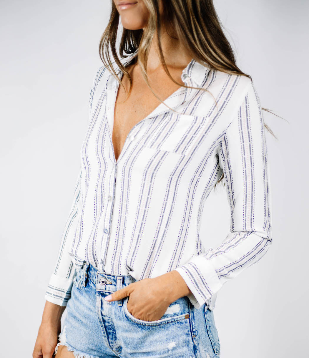 CHASER - Beachy Shirred Button Down