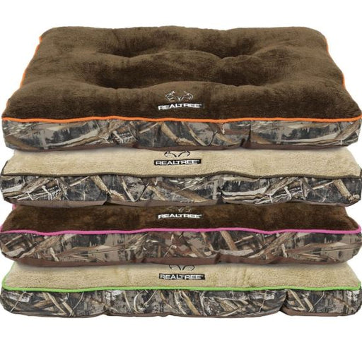 RealTree Tufted Gussets Bed 38x18in