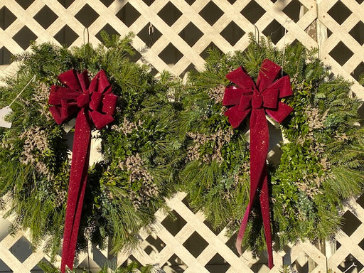 Fresh Live Deluxe Mixed Christmas Wreath Decorated