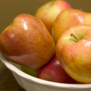 Apple, Honeycrisp (Malus X Honeycrisp)