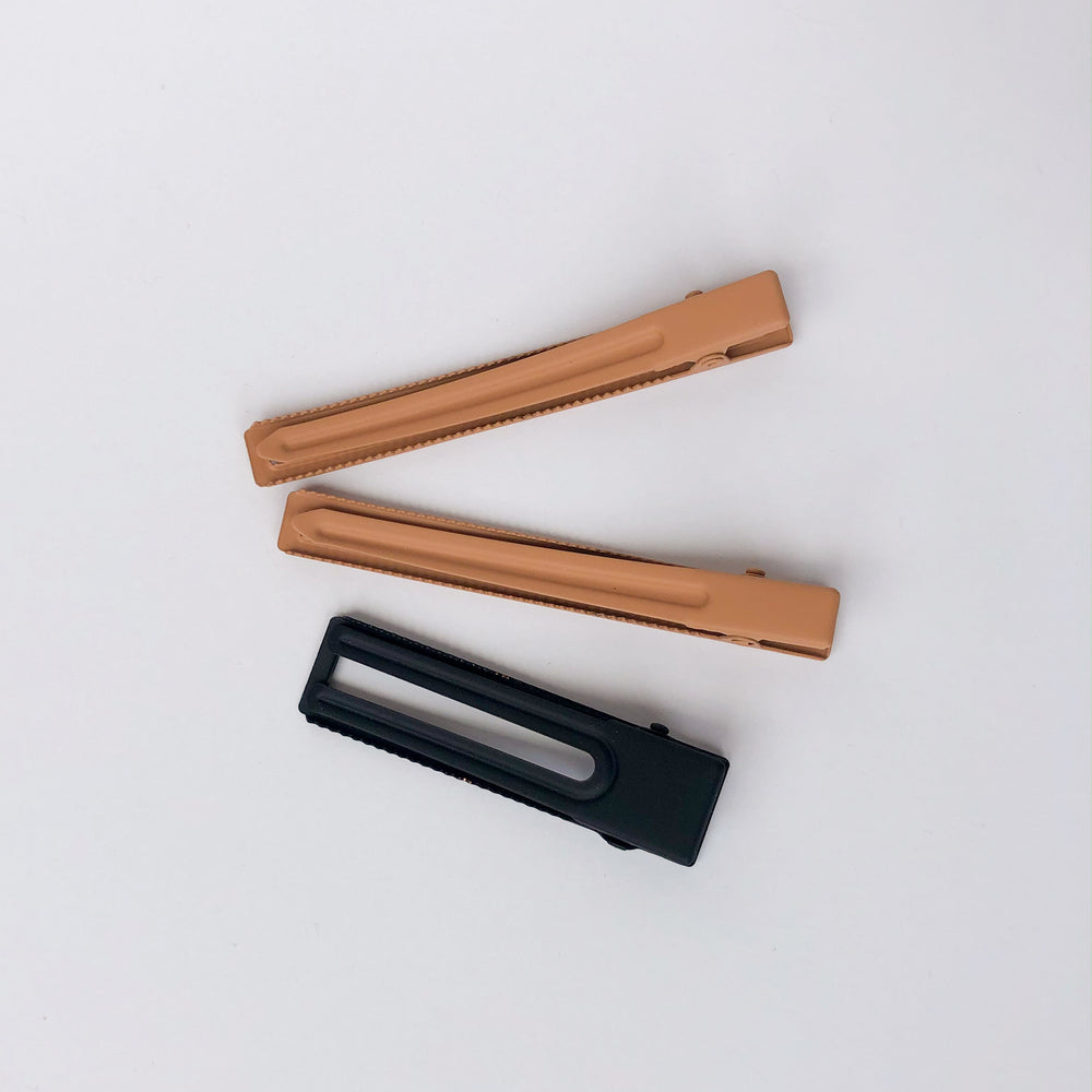 Black & Tan Hair Clip Set