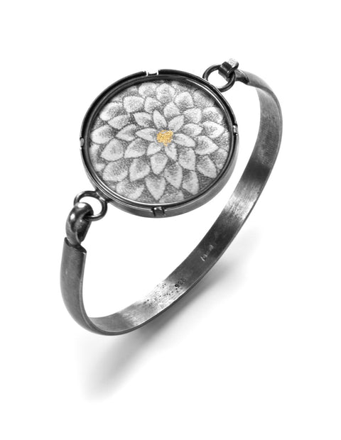 White chrysanthemum tension bracelet in sterling silver with 24k gold accents handmade by Nicolette Absil