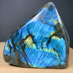 Labradorescence shown on Labradorite Stone