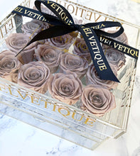 Medium Crystal Clear Acrylic Flower Box