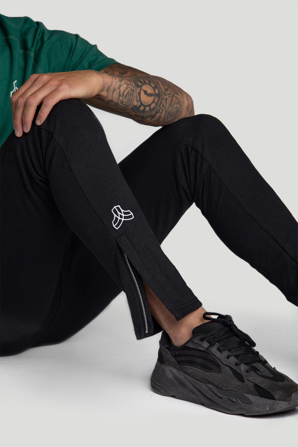 Iron Roots Hemp Performance Jogger - Black
