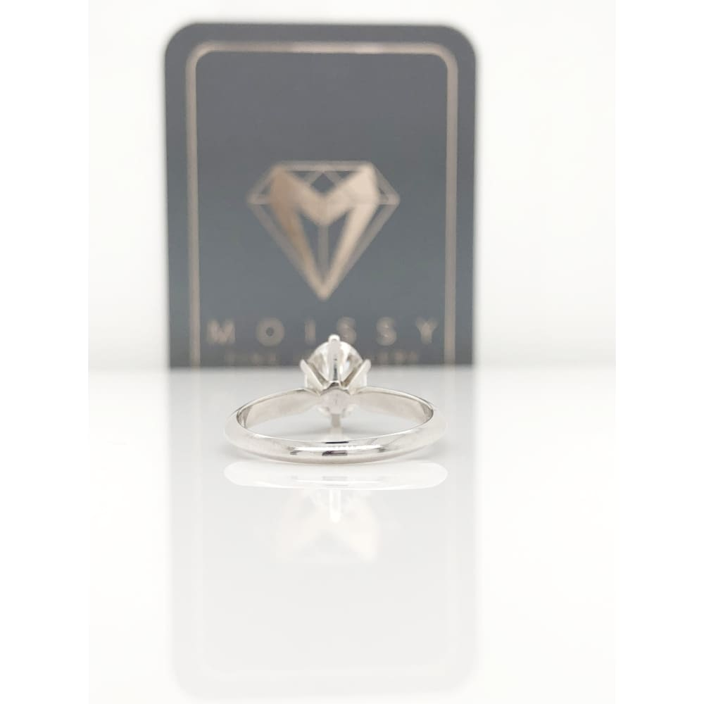 Alanna ~ 14Kw 8X6Mm Oval Moissanite Solitaire - Ring