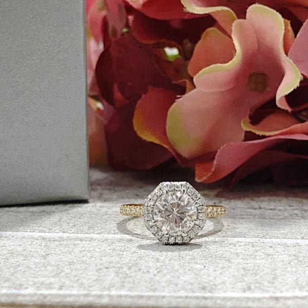 Esmin ~ 18Kyw 7.5Mm Round Moissanite Diamond Halo And Band - Ring