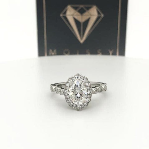 Eternal Collection - Victoria ~ 18Krw 8X6Mm Oval Moissanite Diamond Halo And Band - Ring