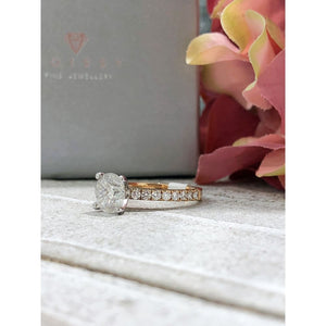 Faith ~ 18Krw 8Mm Round Harro Gem Moissanite Diamond Band - Ring