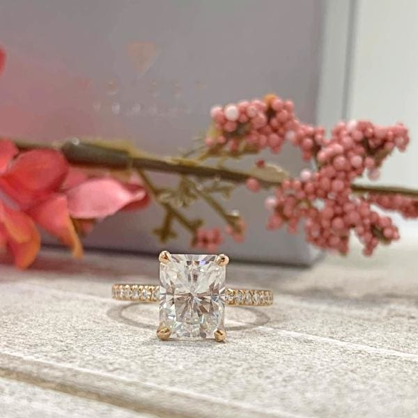Michelle ~ 18Kr 9X7Mm Radiant C&c F1 Moissanite Diamond Halo And Band - Ring