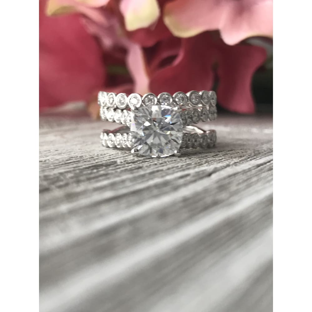 Serena ~ 18Kw 7Mm Cushion Moissanite Moissanite Bezel Set Band - Ring