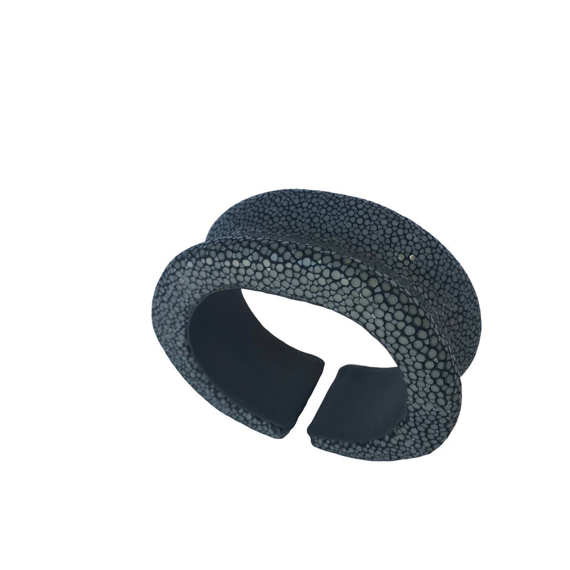 Raised Edge Flexible Bangle - New York Look fashion retail style designer brands like Uma