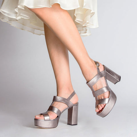 products/Regina-Romero-Plataform-Sandal-Lauren-Leather-Inox-2_f48a81c1-03ae-40b8-8889-d2f3021070d5.jpg
