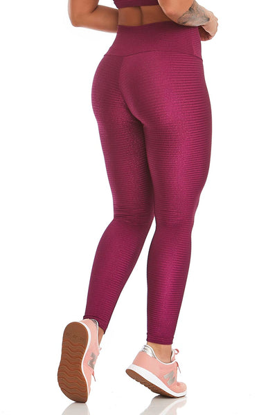 plus size model leggings