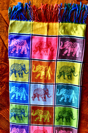 Elephant Shirt Store Women's Rainbow Checkered Elephant Print Pashmina