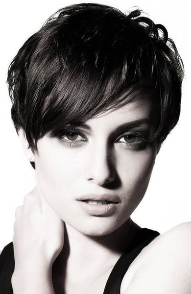 Short Hair Style for Ladies in Pakistan