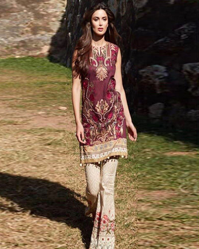 Ladies Full Pure Lawn Embroidered Suit With Fantastic Printed Chiffon Dupatta (Replica)(Unstitched)