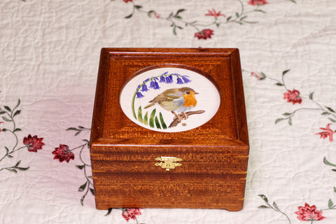 "4"" Round Opening Sapele Embroidery Display Box with Clasp"