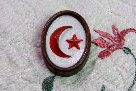 Star and Crescent Painted Magnetic Needle Minder